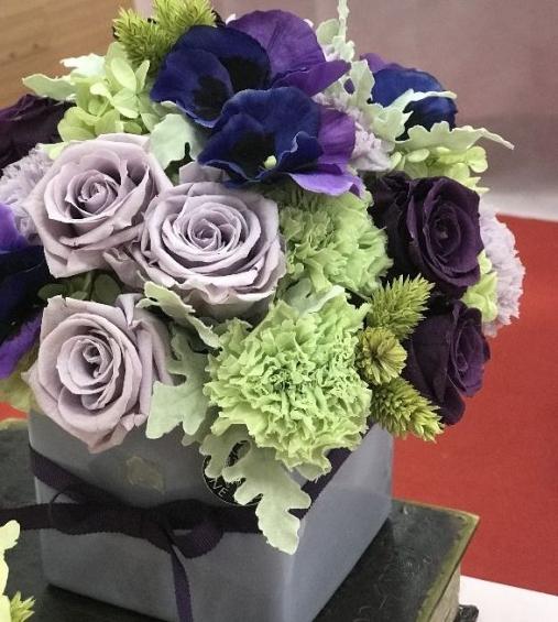 紫が素敵なアレンジメント