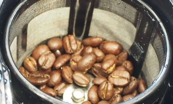 挽きたてコーヒーがすぐに飲めます